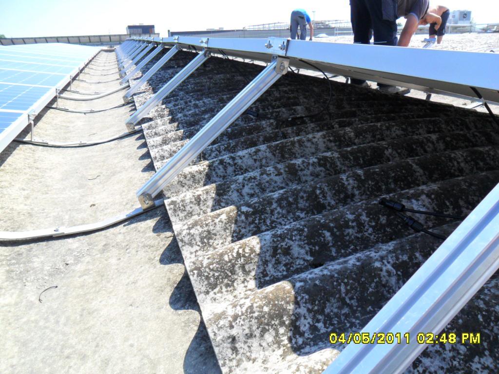 Impianto fotovoltaico tetto cupolino particolare