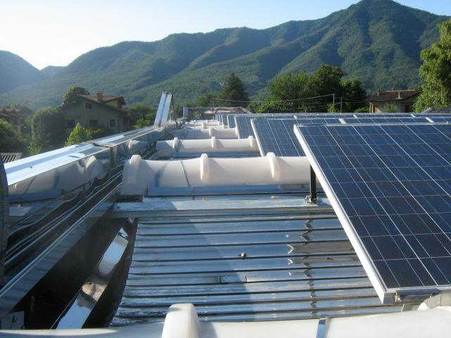 Impianto fotovoltaico tetto cupolino