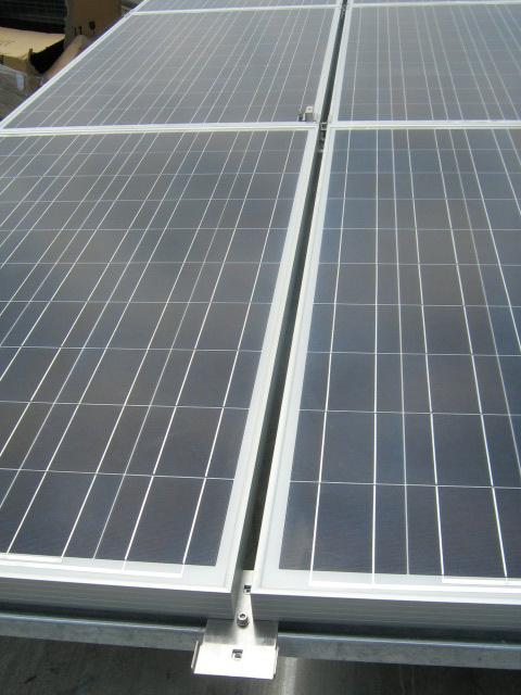 Tetti piani impianto fotovoltaico particolare