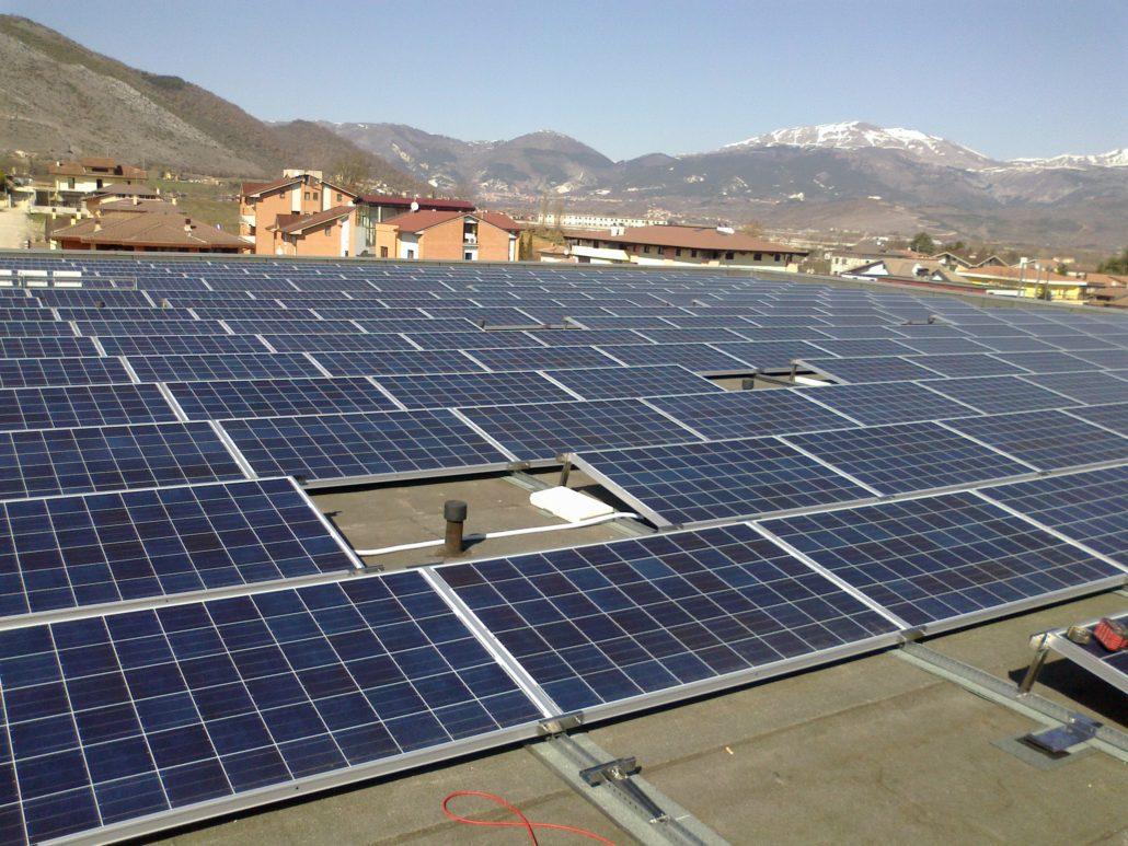 Tetti piani impianto fotovoltaico realizzazione