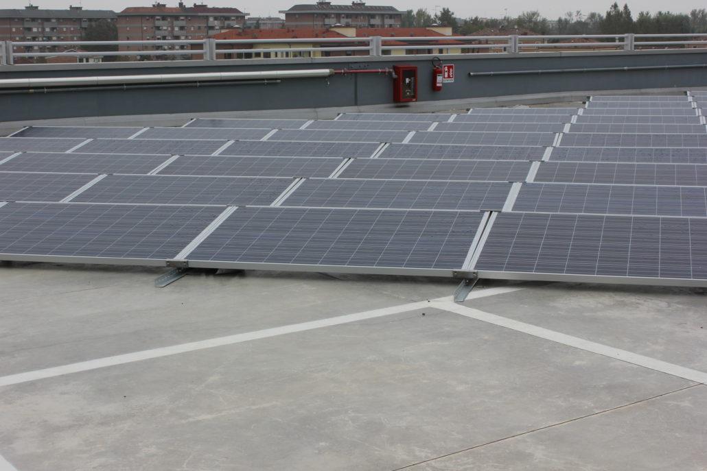 tetti piani impianto fotovoltaico pannelli